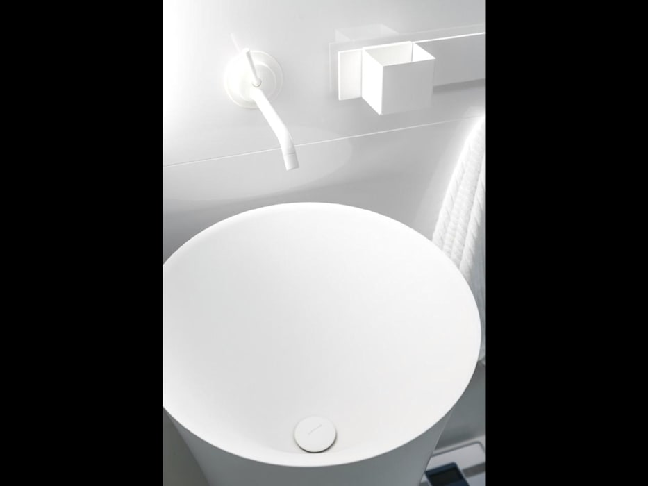 Minimalist style bathroom by Строймассив Minimalist
