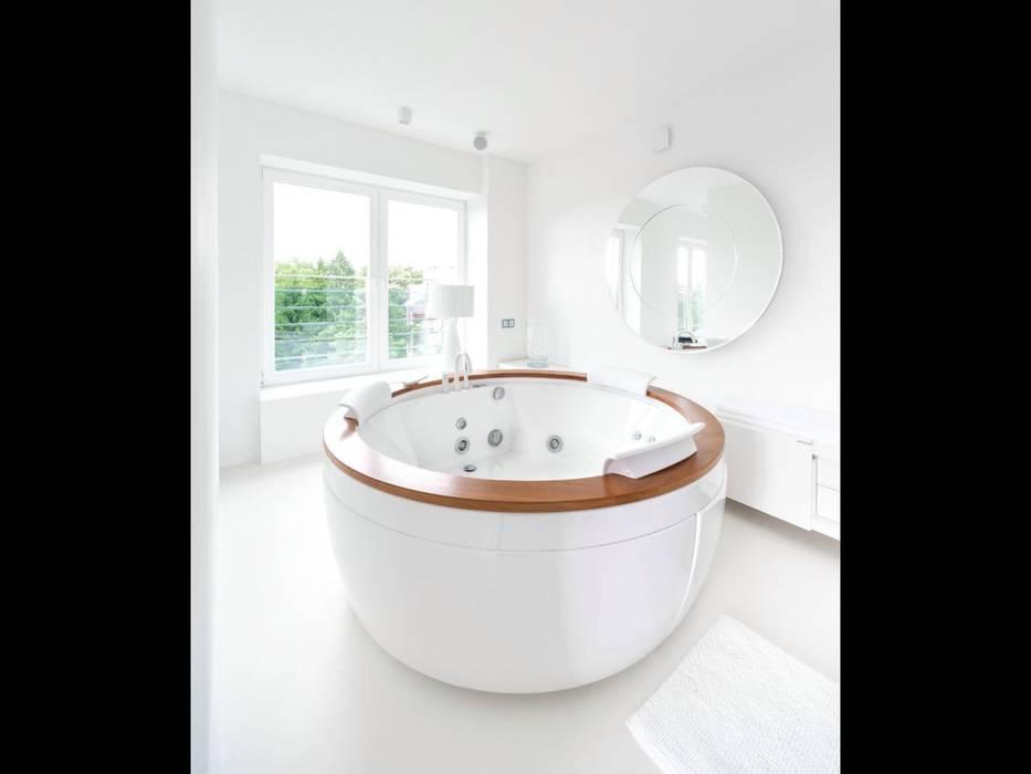 Baños de estilo minimalista de Строймассив Minimalista