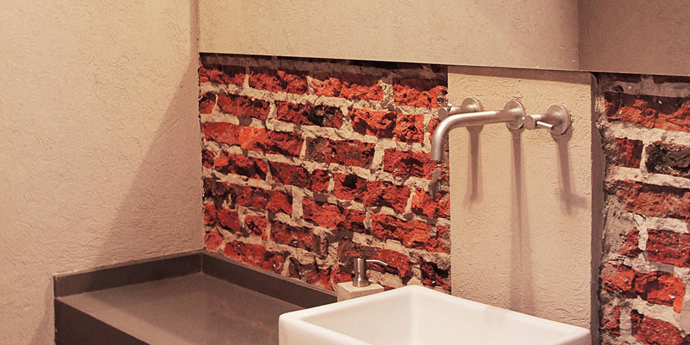 Baños de estilo minimalista de BAM! arquitectura Minimalista
