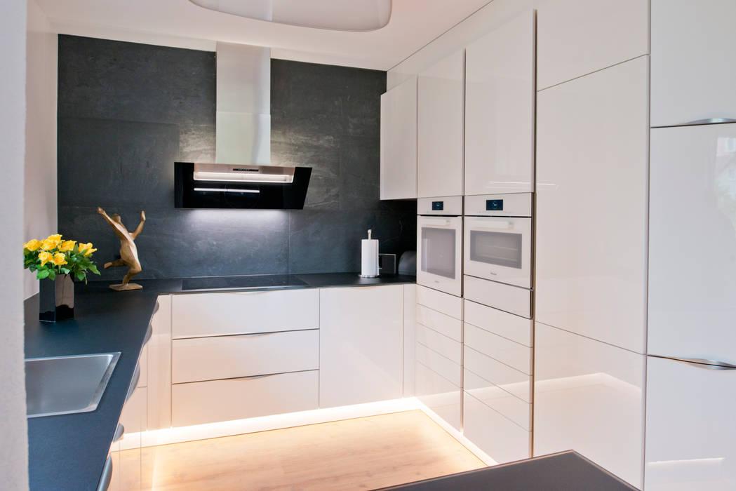 Kleine küche kommt groß raus: moderne küche von inpuncto küchen ...