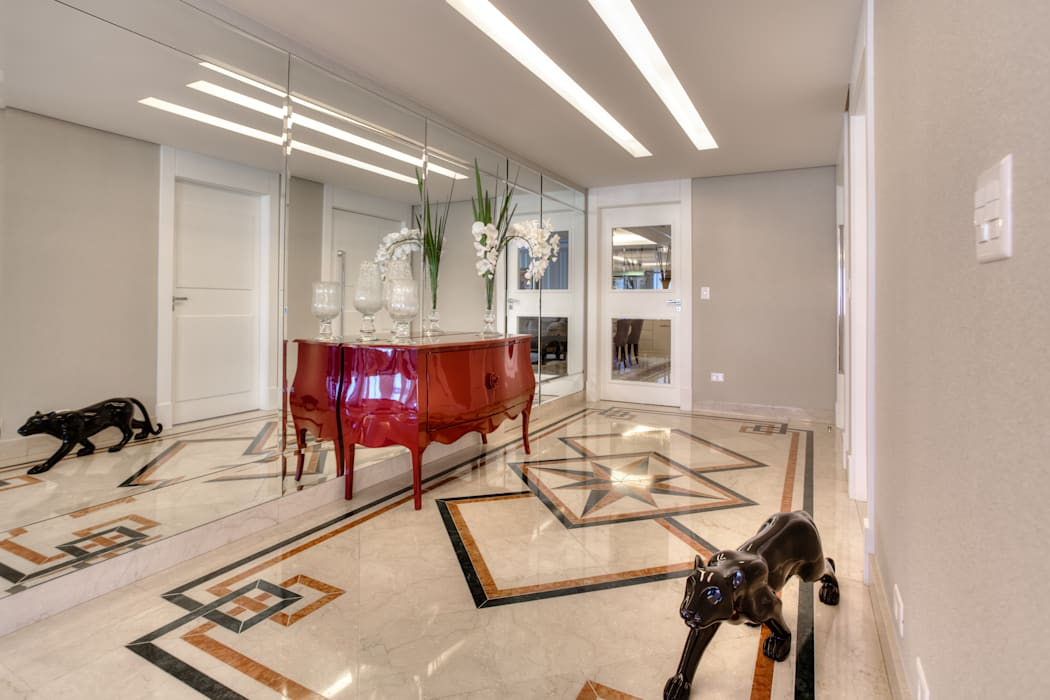 Pasillos, vestíbulos y escaleras clásicas de VL Arquitetura e Interiores Clásico