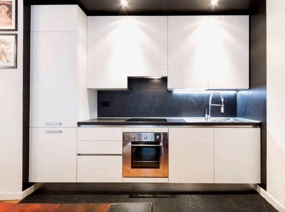 Minimalist kitchen by Buildesign Minimalist