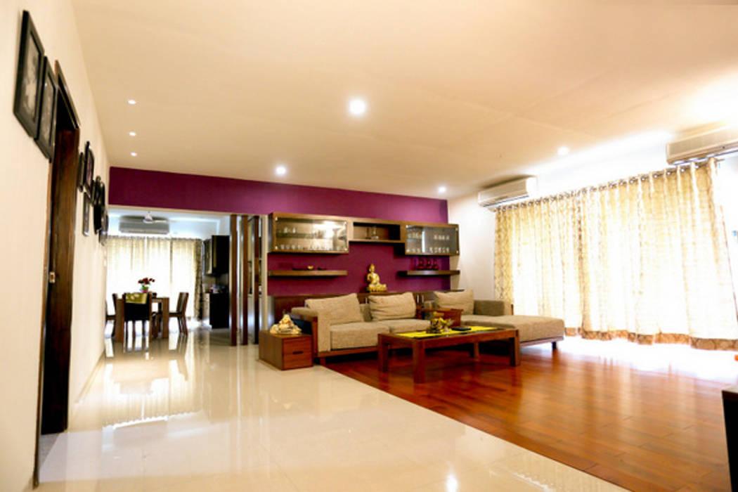 Banjara Hills Apartment:  Living room by Saloni Narayankar Interiors