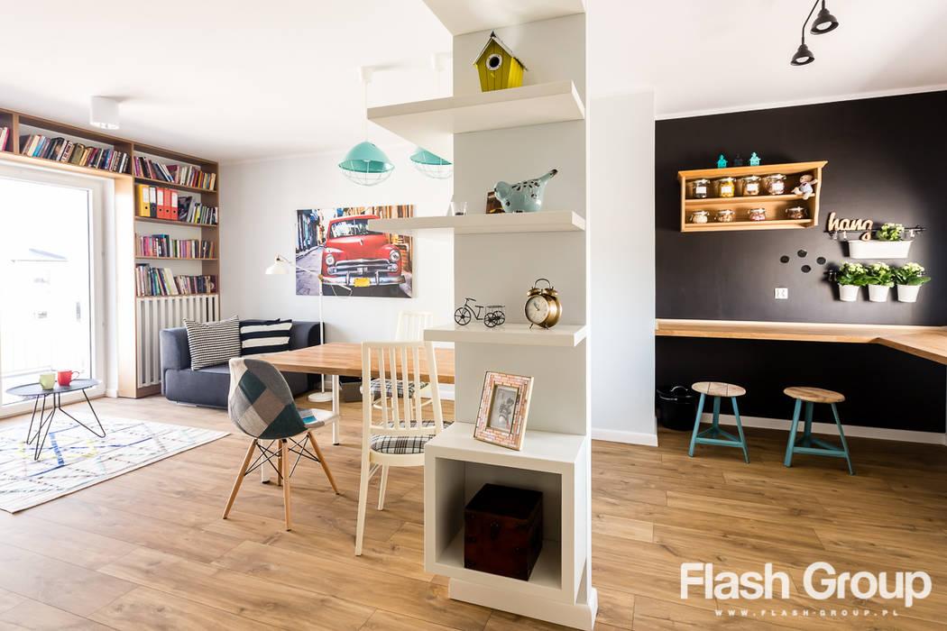 Ausgefallene Wohnzimmer von dekoratorka.pl Ausgefallen