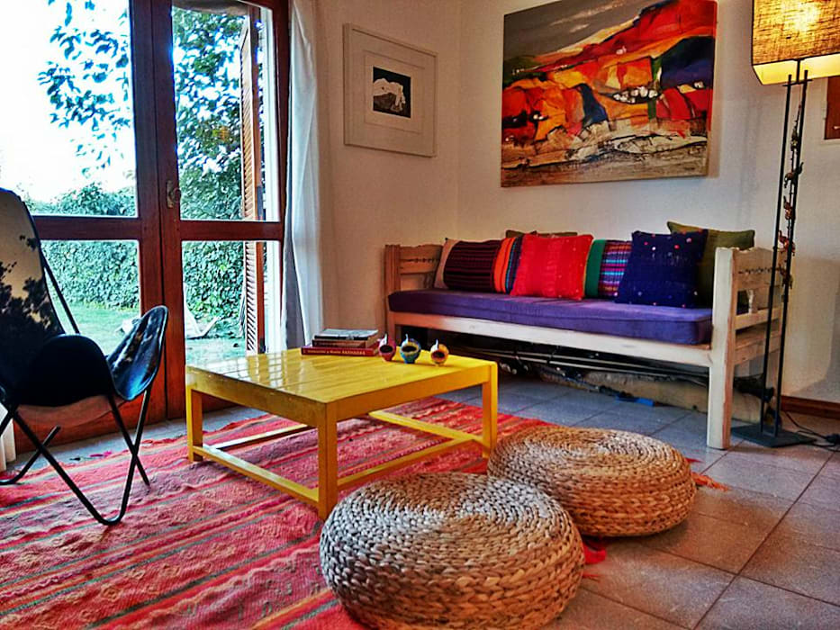 Eclectic style living room by Estudio 17.30 Eclectic