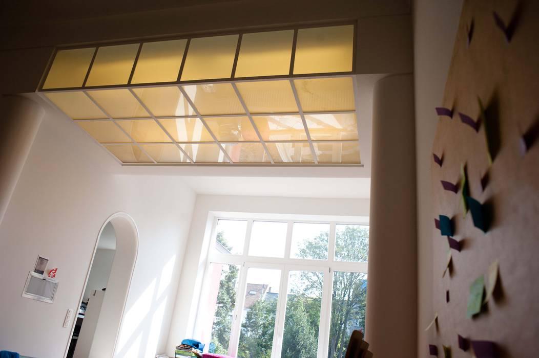 DeRadigues Fenêtres & Portes modernes par Modelmo ScPRL Moderne