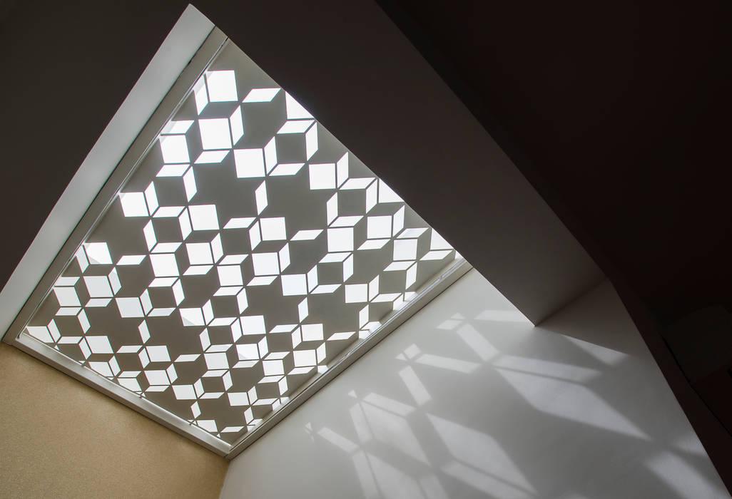 Skylight Design Modern bathroom by studio XS Modern
