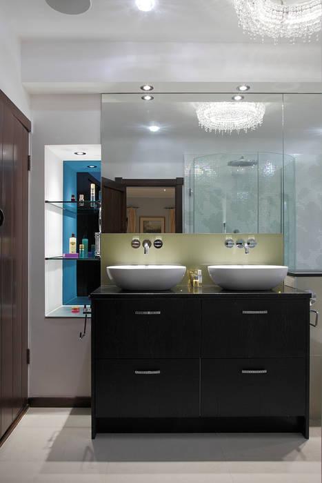 Luxury Modern Cottage Buckinghamshire Quirke McNamara Modern bathroom Brown