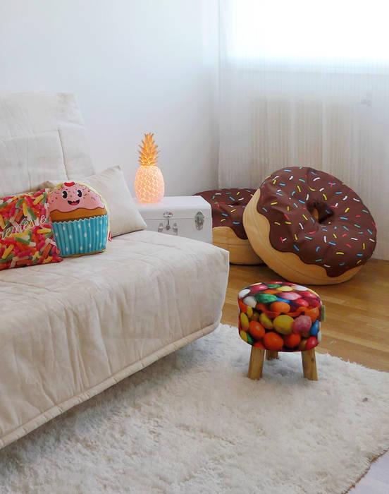 Chambre évolutive pour adolescente enjouée: Chambre de style de style Moderne par Skéa Designer