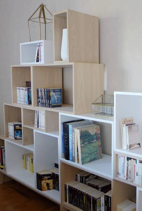 Bibliothèque de style scandinave: Salon de style de style Moderne par Skéa Designer