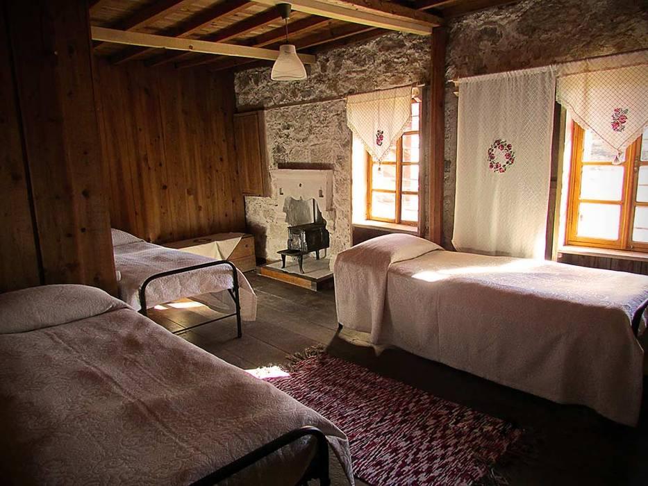 Mimar Damla Demircioğlu Country style bedroom