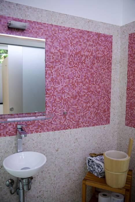 Il bagno: Bagno in stile in stile Moderno di DF Design