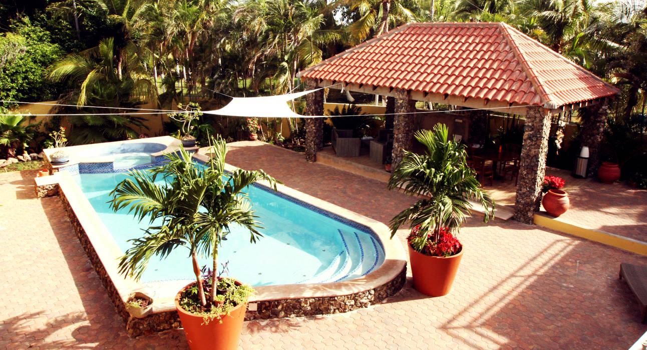 pool en gazebo:  Terras door architectenbureau Aerlant Cloin BNA