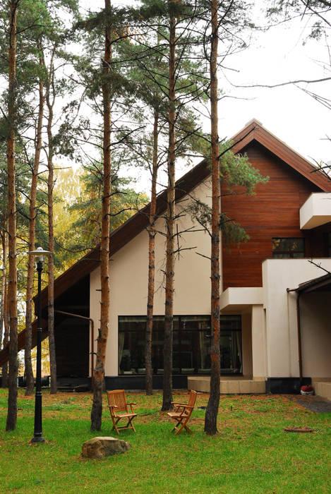 現代房屋設計點子、靈感 & 圖片 根據 Армен Мелконян 現代風