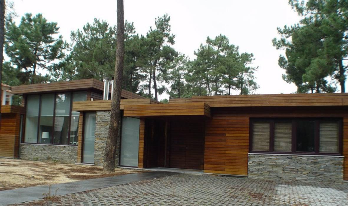 Casas de estilo ecléctico de Karst, Lda Ecléctico