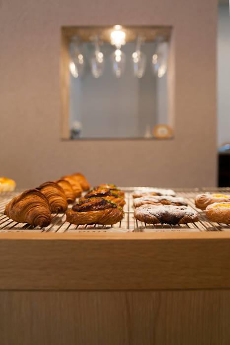 boulangerie Artisan'Halles (ブーランジェリーアルチザナル) オリジナルな商業空間 の 村松英和デザイン オリジナル
