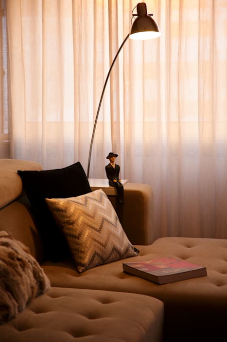 Susana Camelo Modern living room Brown