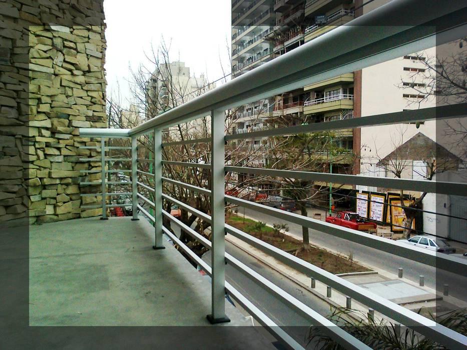Trabajos realizados Balcones y terrazas de estilo moderno de ArquiGlass Moderno