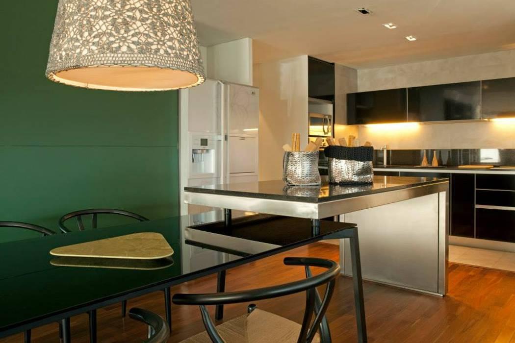 Zencity 現代廚房設計點子、靈感&圖片 根據 victorialosada 現代風