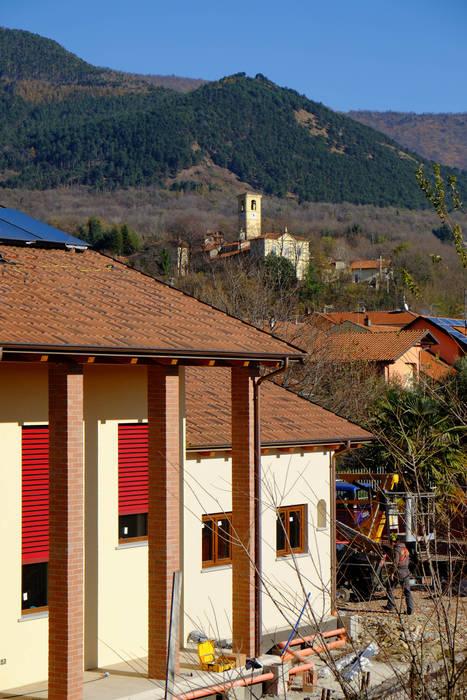 CasaClima Classe A - Amese - Torino: Case in stile In stile Country di AHORA ARCHITETTURA