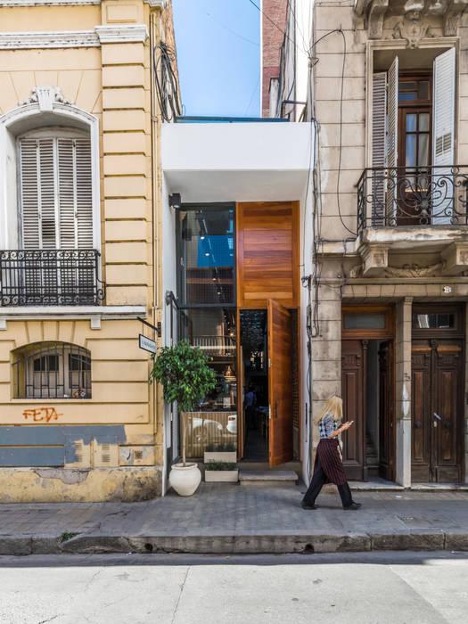 Espaços gastronômicos minimalistas por CAPÓ estudio Minimalista