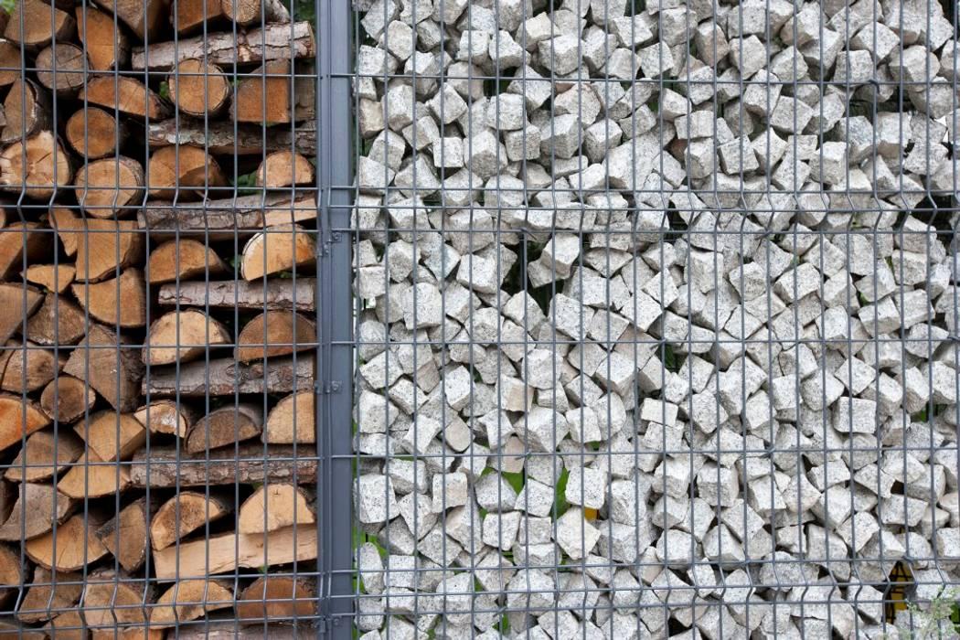Projekt wnętrz domu w Białołęce Skandynawski ogród od mech.build Skandynawski