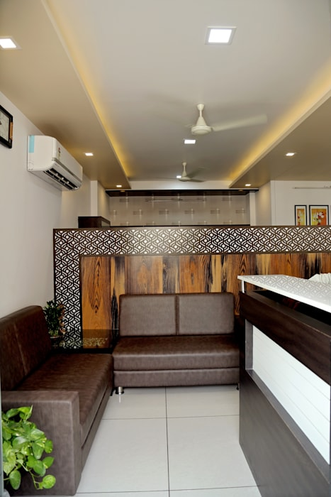 Waiting Area Modern offices & stores by ZEAL Arch Designs Modern
