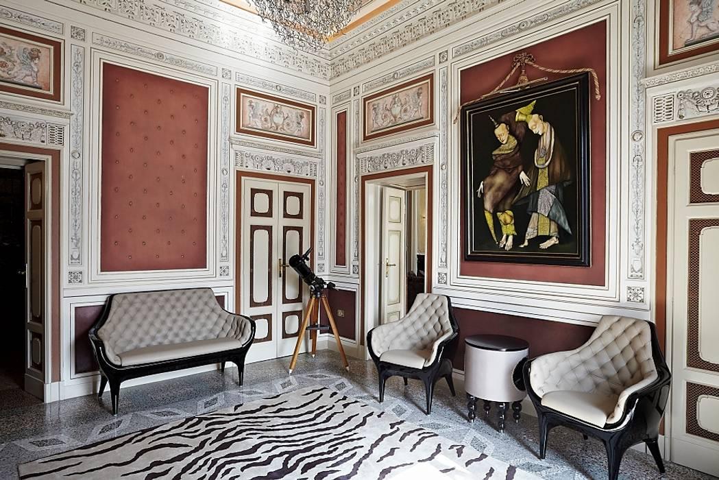 Pasillos, vestíbulos y escaleras clásicas de Ethnic Chic - Home Couture Clásico