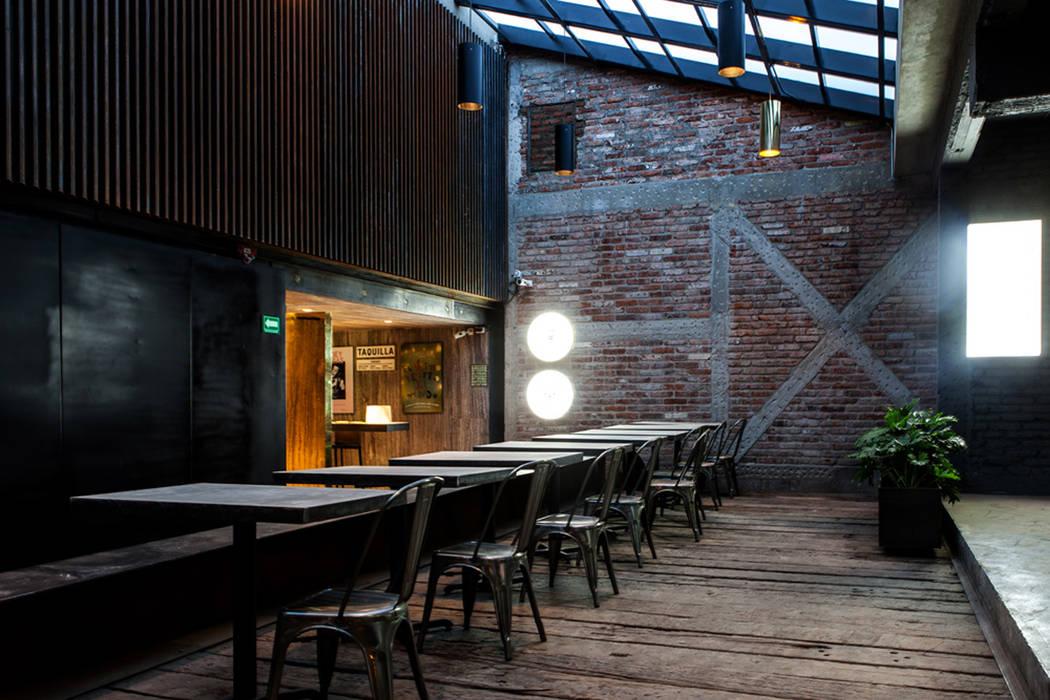 Acceso a la taquilla: Salones para eventos de estilo  por Barnabé Bustamante Ludlow Arquitectos