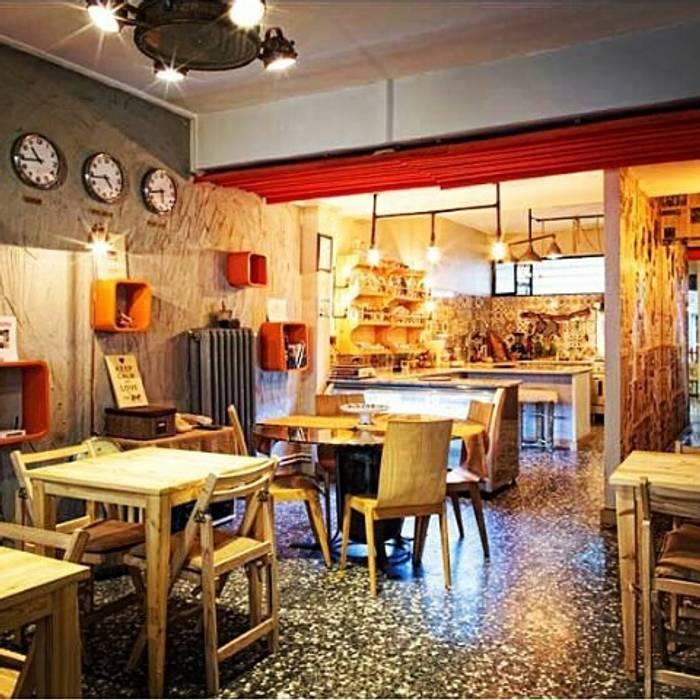 USLU YÖNEY Industrial style kitchen Wood Wood effect
