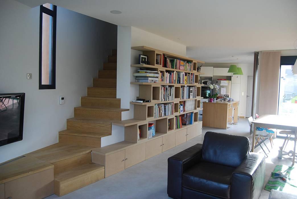 Salon Bibliotheque Et Escalier Salon De Style Par Sara