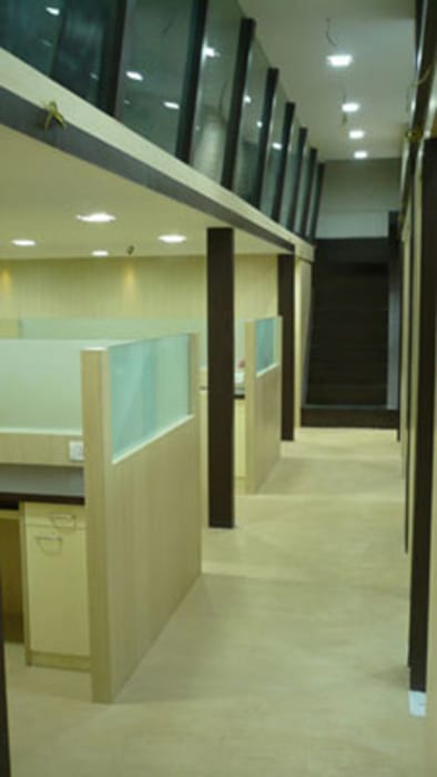 Commercial Interior:  Study/office by GB ARCHITECT,