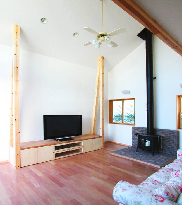 デッキテラスの家(リフォーム) モダンデザインの リビング の ユミラ建築設計室 モダン