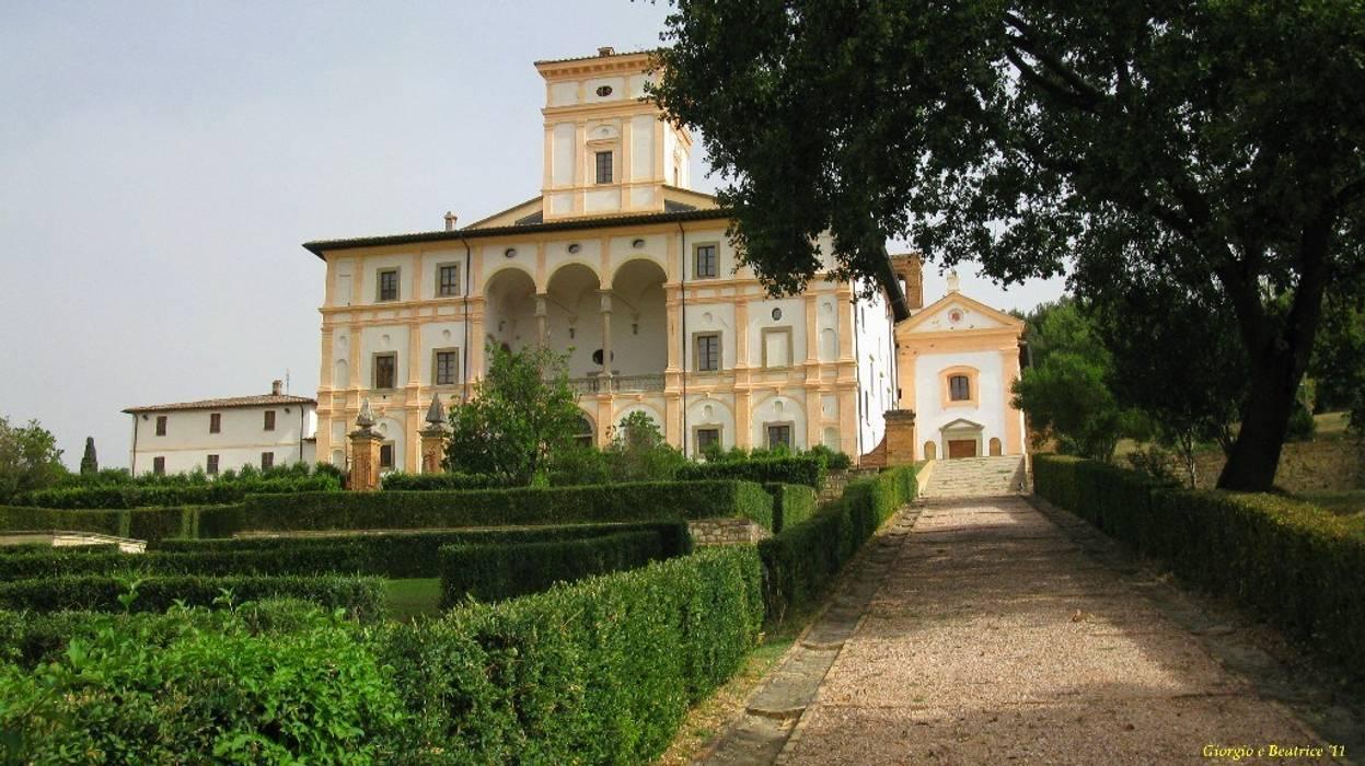 La Villa Graziani: Musei in stile  di Architetti Laura Romagnoli e Guido Batocchioni Associati