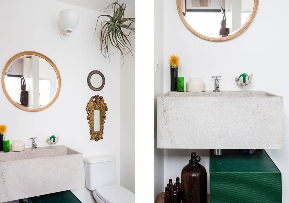 RSRG Arquitetos Minimalist bathroom
