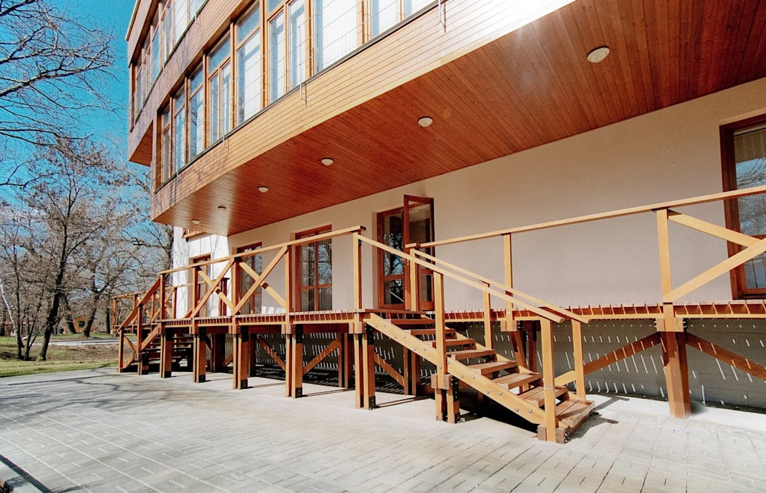 Balkon, Beranda & Teras Modern Oleh House Reconstruction LLC Modern