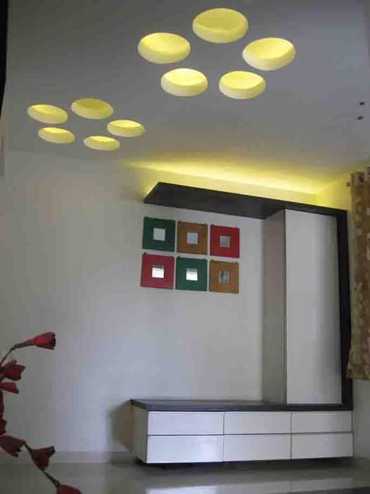 亞洲風玄關、階梯與走廊 根據 ar.dhananjay pund architects & designers 日式風、東方風