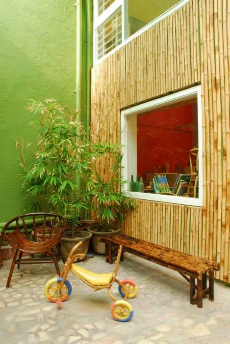 Bamboo Canopy Errol Reubens Associates Modern balcony, veranda & terrace