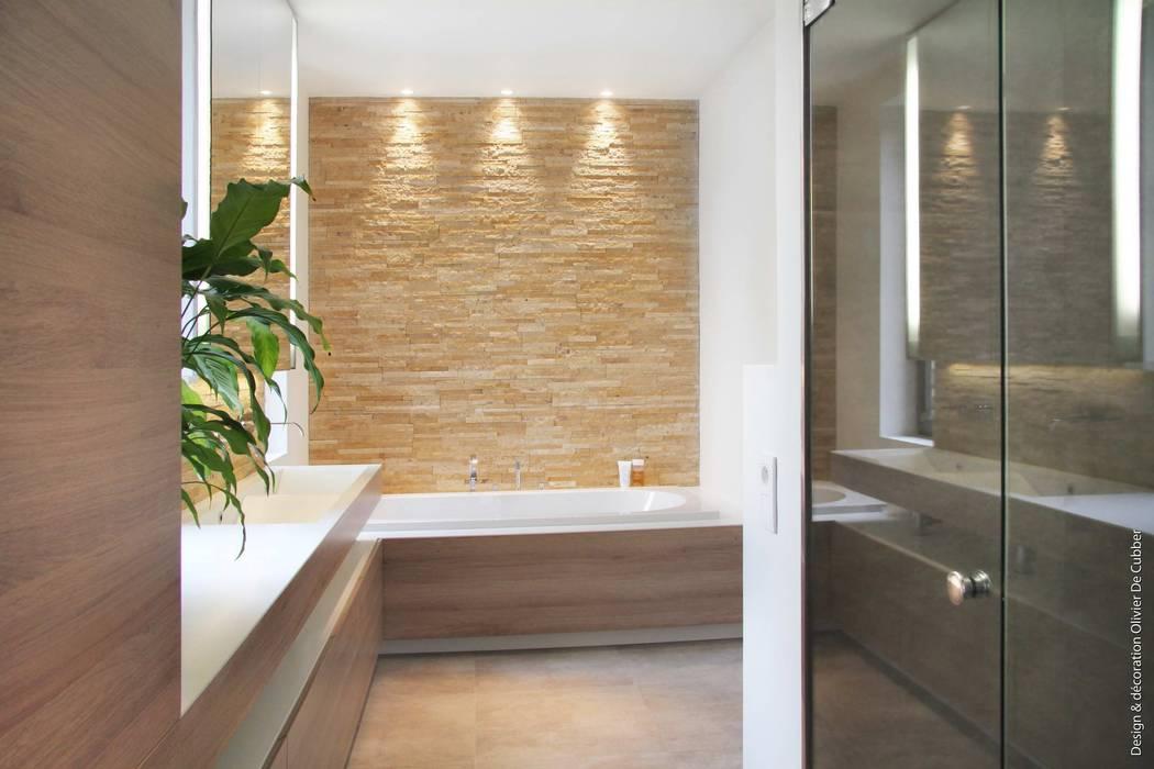 Moderne badezimmer von olivier de cubber - architecture d\'intérieur ...