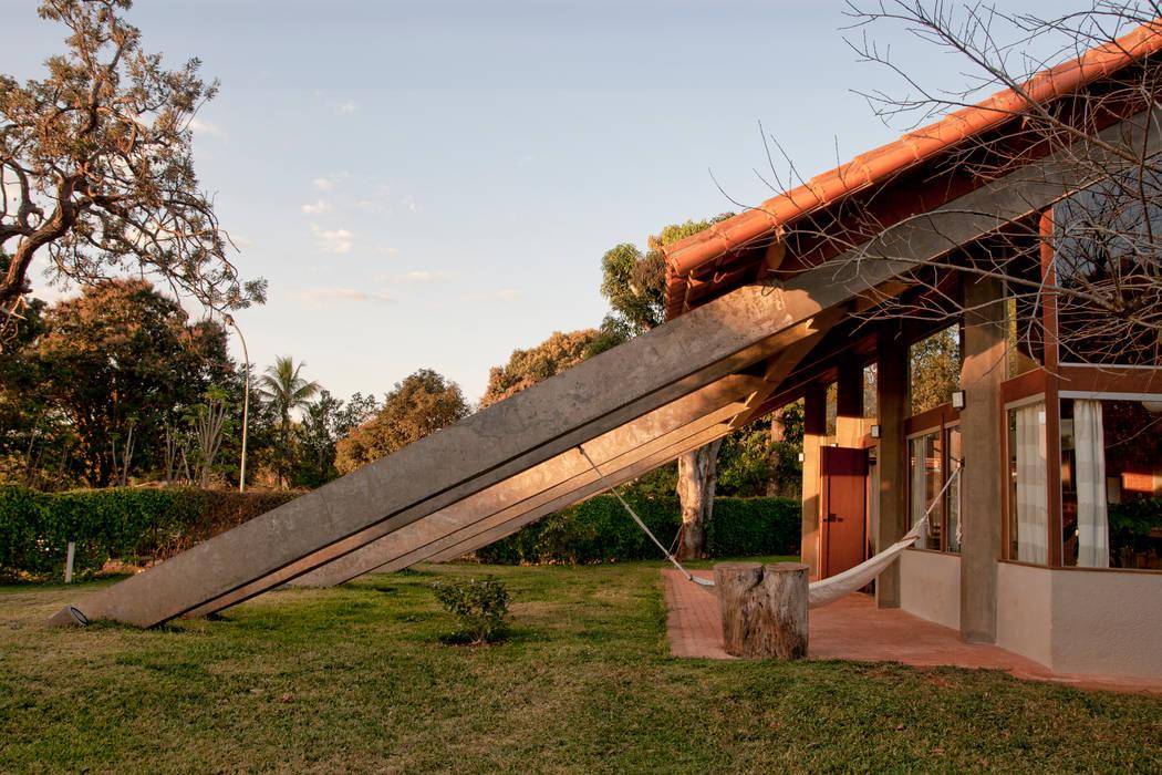 Residência HB Casas rústicas por Quinta Rústico