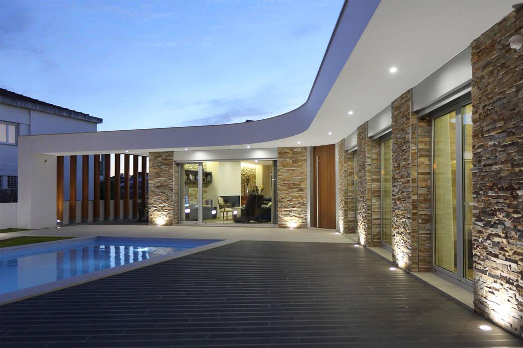Moradia em Caldas da Rainha Casas modernas por SOUSA LOPES, arquitectos Moderno