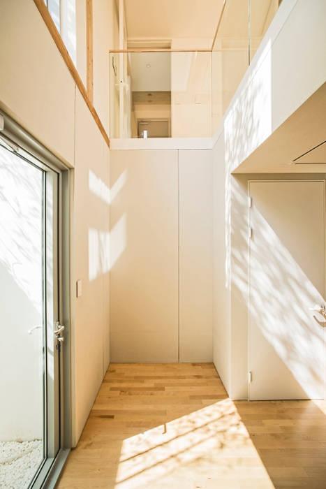 basement: min workshop의  복도 & 현관