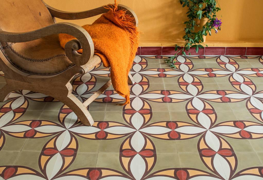 Mosaic del Sur Pareti & Pavimenti in stile classico di Mosaic del Sur Classico