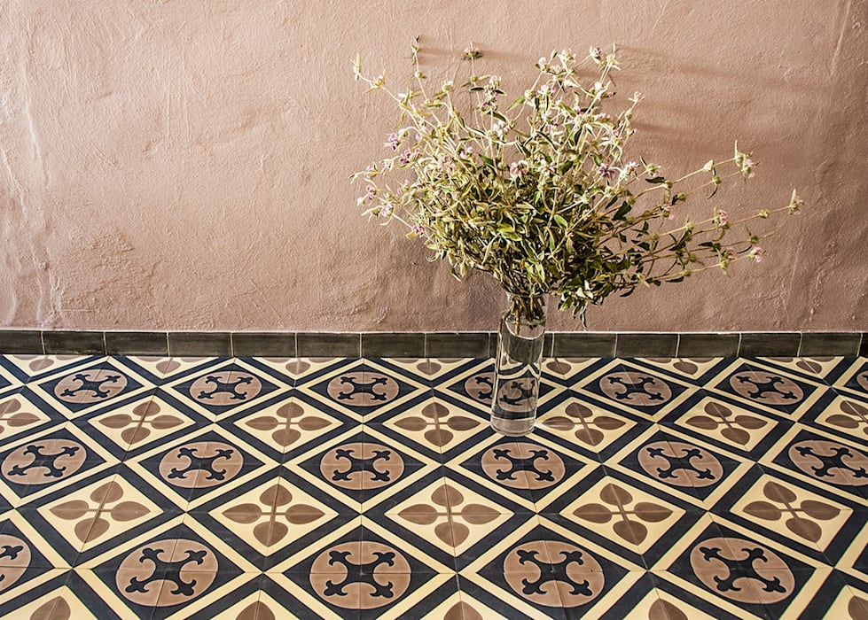 Living room by mosaic del sur, classic   homify