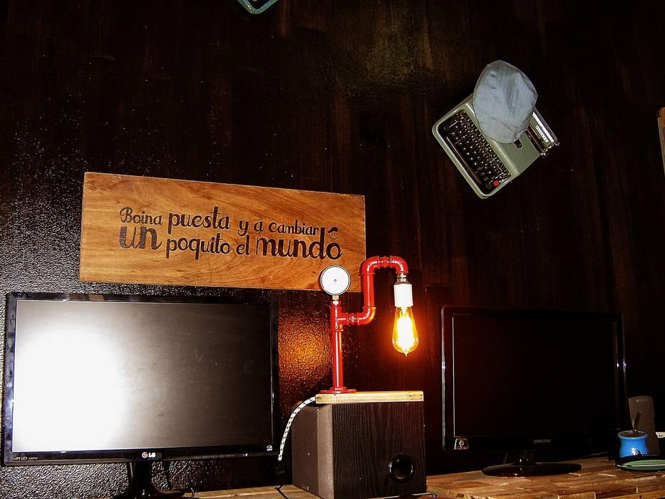 Lampara Estilo Industrial con Bombilla tipo Edison:  de estilo industrial por Lamparas Vintage Vieja Eddie,Industrial Hierro/Acero