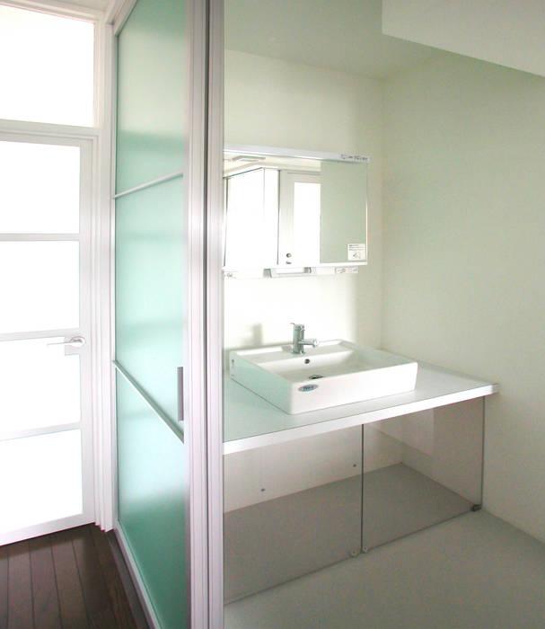 ユミラ建築設計室 Kamar Mandi Modern