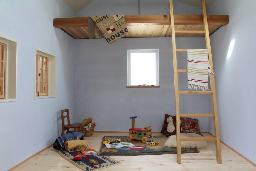 モダンデザインの 子供部屋 の homify モダン