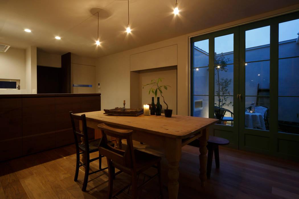 House in Minami Kounoike: Mimasis Design/ミメイシス デザインが手掛けたダイニングです。