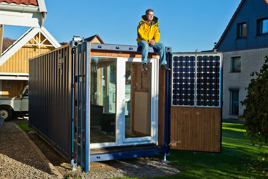 Minimalistyczne domy od Stefan Brandt - solare Luftheizsysteme und Warmuftkollektoren Minimalistyczny