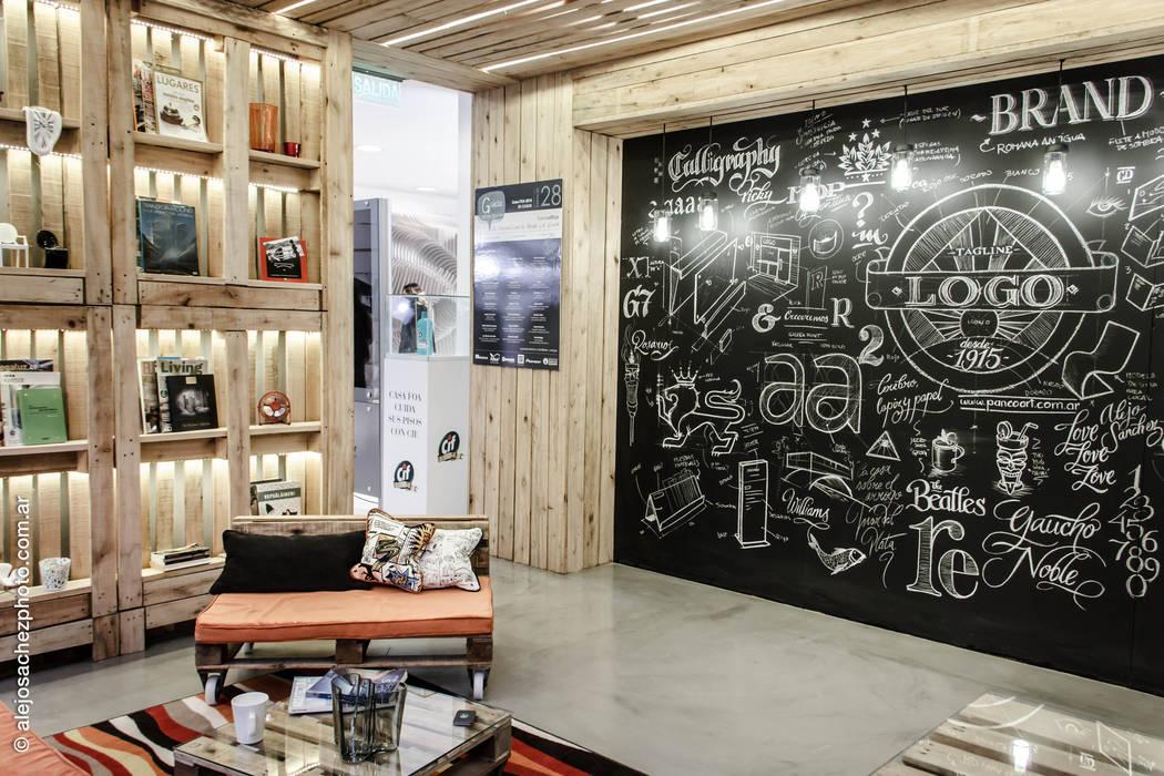 SECTOR LIVING Y PIZARRA Estudios y oficinas industriales de G7 Grupo Creativo Industrial Madera Acabado en madera